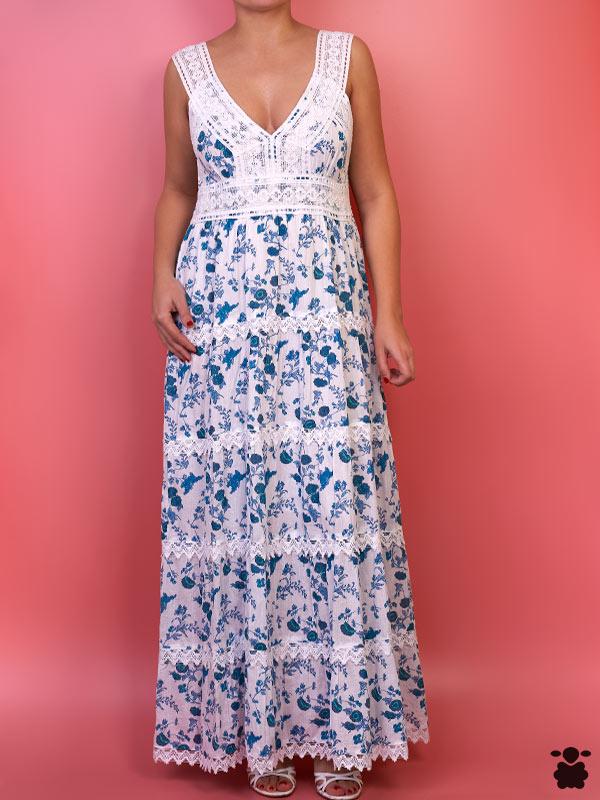 Vestido largo de color azul y estilo boho chic