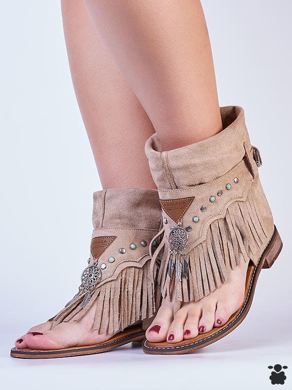 Sandalias boho chic beige-taupe, modelo saviesa