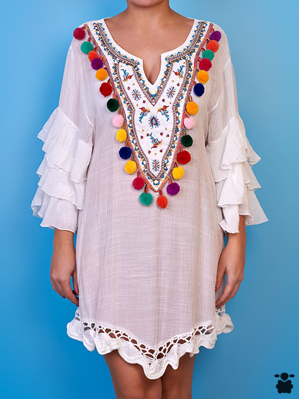 Vestido blanco con pompones