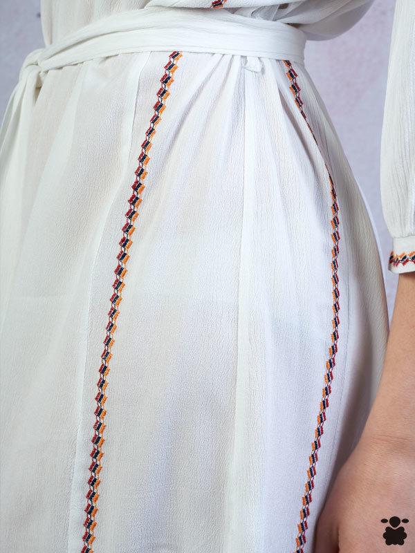 Vestido boho chic blanco con bordados