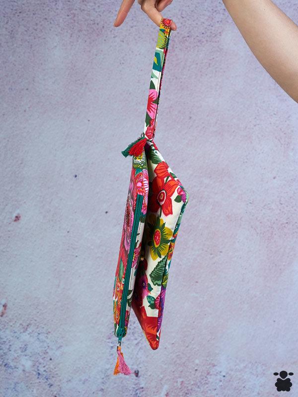 Bolso bohemio con estampado de flores